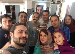 Seryal Dar Hashieh 21 300x215 عکسهای داغ سلفی پشت صحنه سریال در حاشیه
