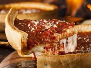 dflmnbvc 300x225 طعمهای عجیب پیتزا در کشورهای مختلف دنیا