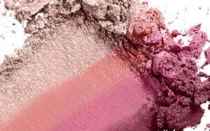 makeup 1 800x500 300x188 بهترین رژگونه ها برای رنگ پوست شما